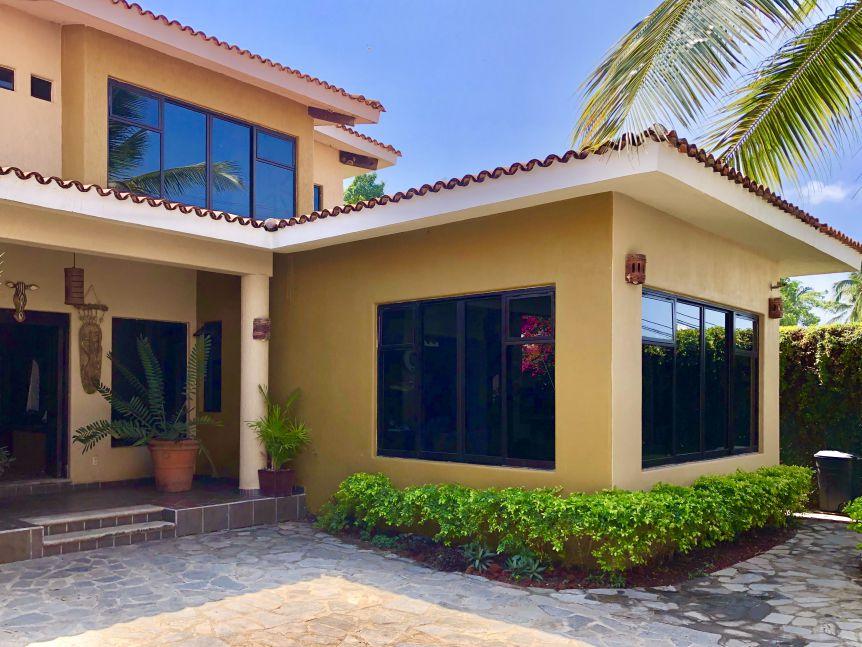 Casa en Venta Club Santiago Manzanillo